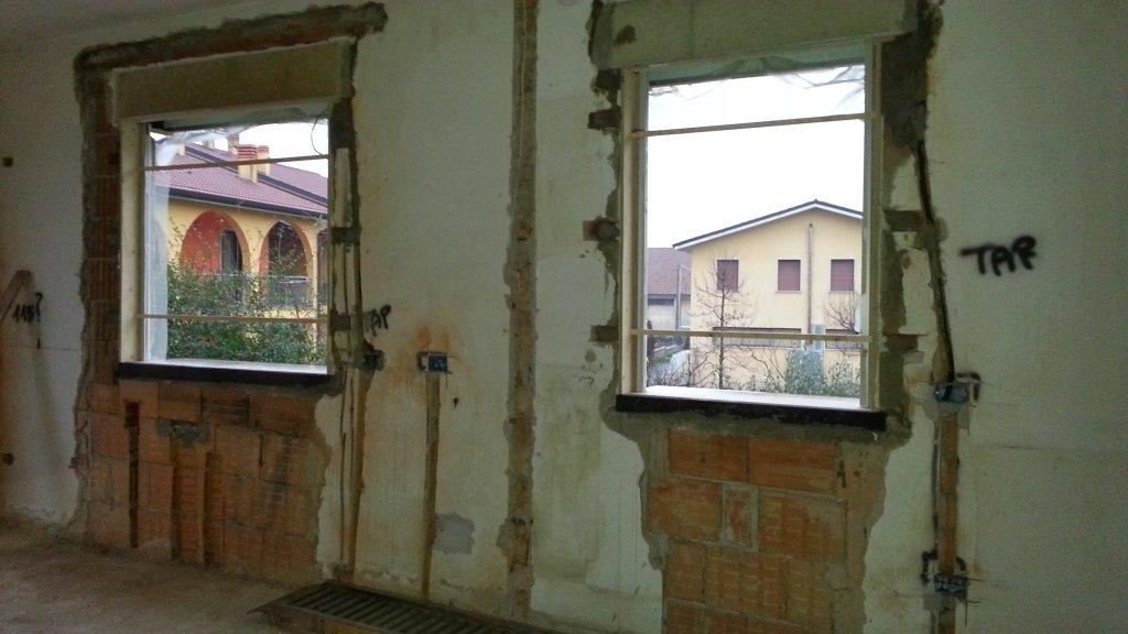 Davanzali una casa da ristrutturare for Davanzali interni per finestre